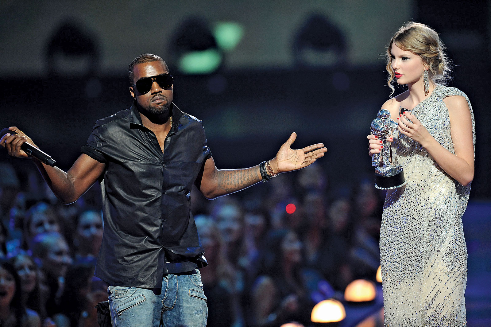 When Kanye West interrupted Taylor Swift as she accepted the award for best Music Video at the 2009 VMAs. (Photo credit: Yahoo! News)